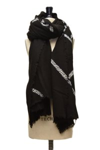 "SUZUSAN  ""Hard Fringed and Felted Throw""  col.Black/White"