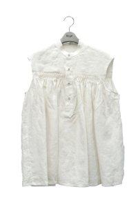 Scye  Linen Pintucked Sleeveless Shirt  リネン高密度タックノースリーブシャツ  col.オフシロ  ※ Scye オリジナル ハンガー 付き