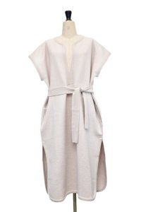 Cristaseya  13S-WH FELTED WOOL CAFTAN  col.WHITE